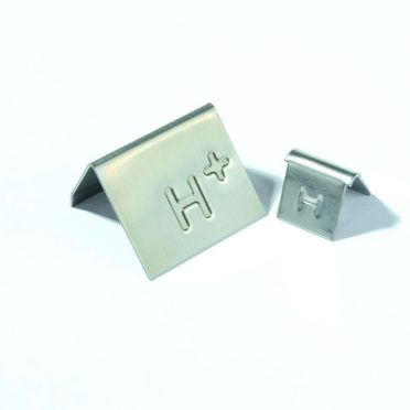 Ancillary products: Flashing clips & fixing clips